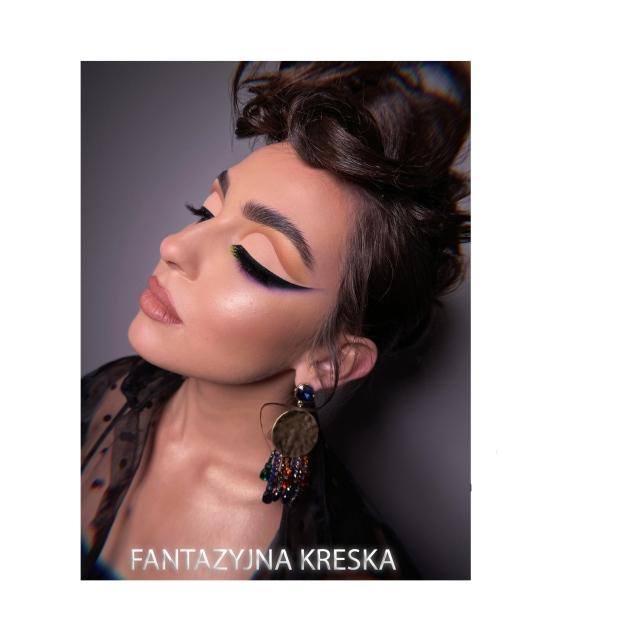 Kurs makijażu online Ewelina Zych - Makijaż z fantazyjną kreską